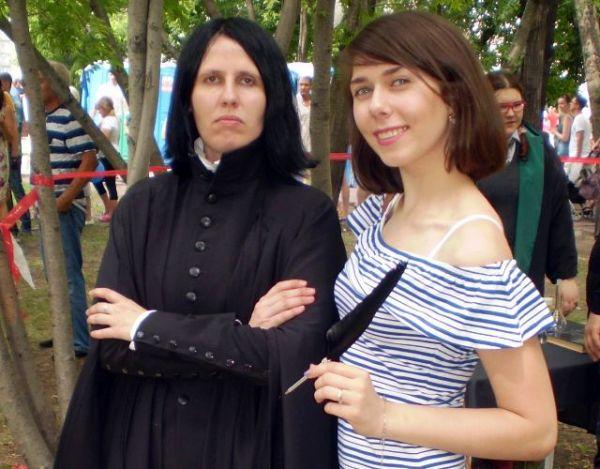 На Дне города в Новосибирске подростков учили волшебству в мире Гарри Поттера (фоторепортаж)
