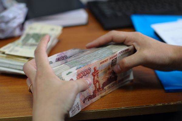 Главбух сахарной компании получила 4,5 года за хищение 27 млн рублей