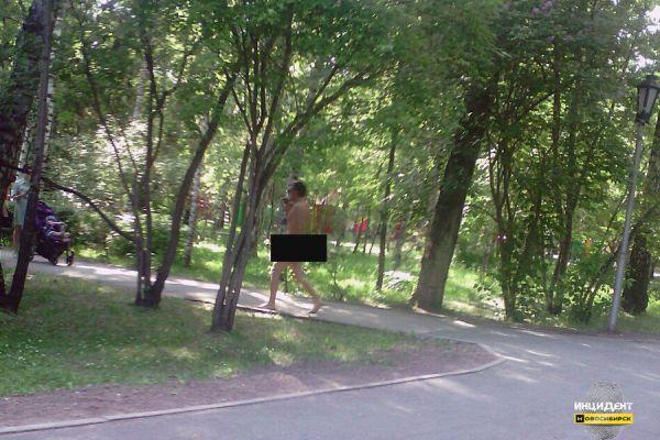 Голого мужчину задержали в центре Новосибирска