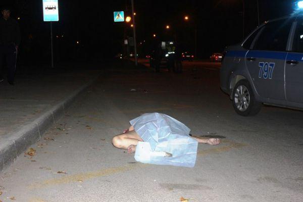 В Новосибирске под колесами грузовика погибла женщина