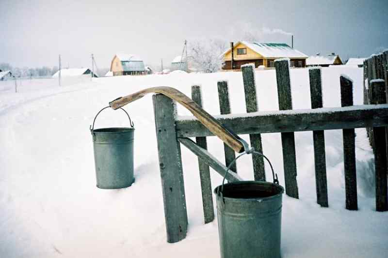 «Будем кушать снег?»: жители Старого Карапуза остались зимой без воды