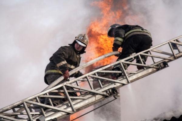 Уголовное дело заведено после пожара в общежитии на Твардовского