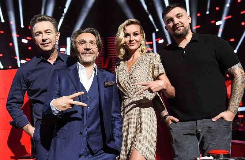 Наставники нового сезона Валерий Сюткин, Сергей Шнуров, Полина Гагарина и Василий Вакуленко (Баста)