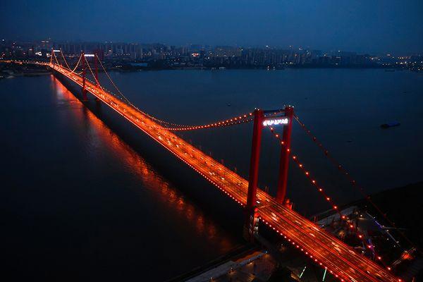 «26 млрд рублей китайцам бы хватило и на бесплатный мост»