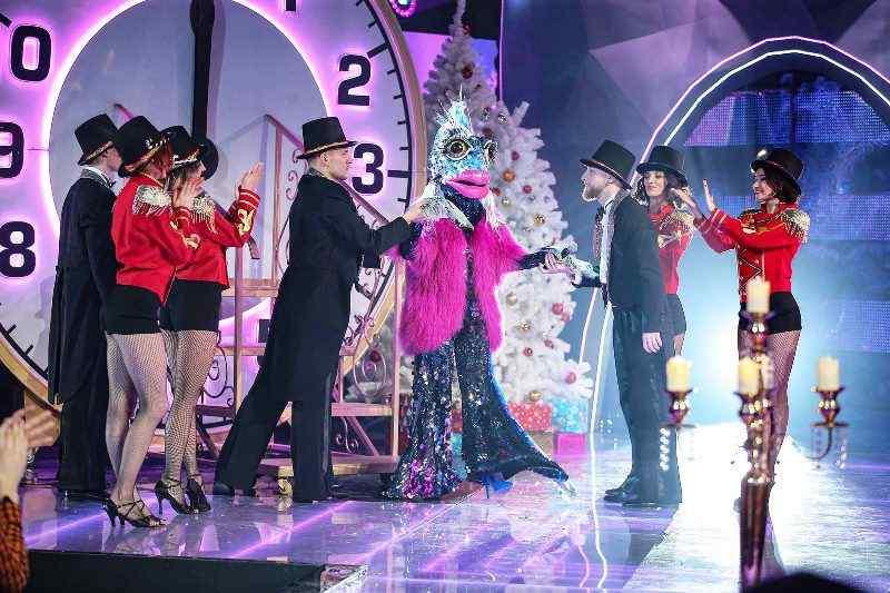 Маска на НТВ в Новый год