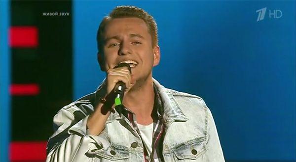 Жюри «Голоса» раскритиковало новосибирца за манеру исполнения песни Киркорова «Полетели»