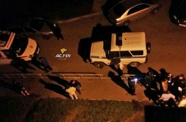 Мужчину зарезали во дворе дома на МЖК в Новосибирске