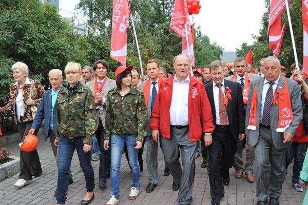 Зюганов «отправит» мэра Новосибирска в отпуск на время выборов в Госдуму