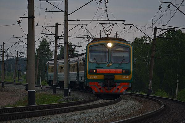 Второй за неделю случай попадания людей под поезд произошел в Новосибирске