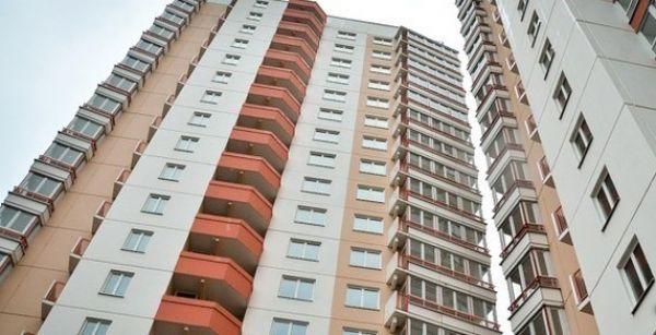 Ребенок упал с пятого этажа в Новосибирске