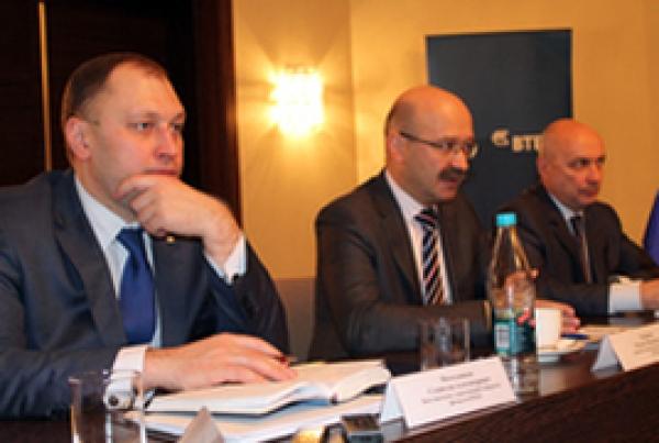 ВТБ24 открыл новый офис и подписал соглашение с обладминистрацией