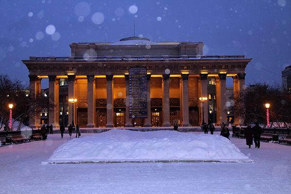 Владимир Кехман начнет в Новосибирской опере со смены названия