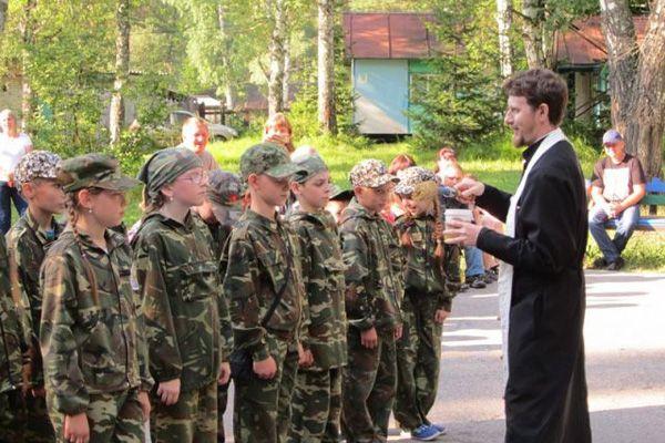 Военный православный лагерь для детей открылся в соседнем Кузбассе
