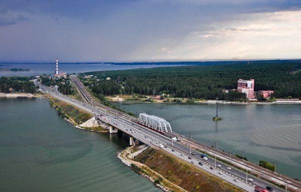 Троих искитимцев оштрафовали за прыжки с моста