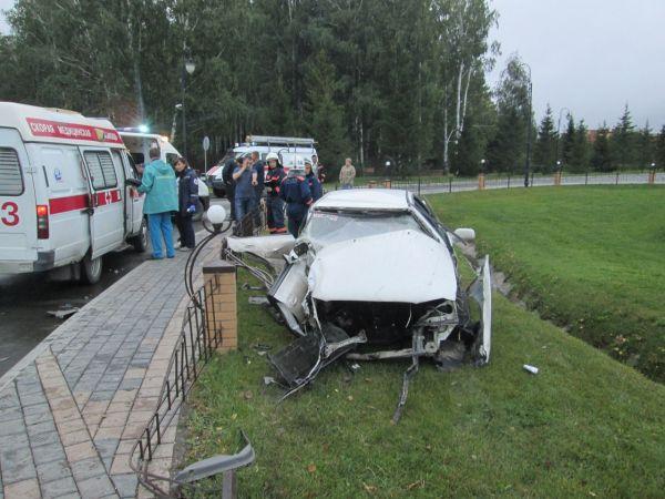 Виновник массового ДТП в Новосибирске угнал автомобиль у собутыльника перед аварией