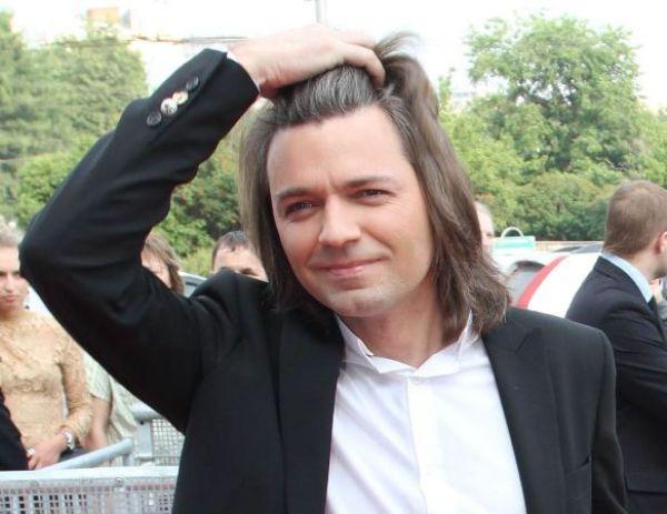 Дмитрий Маликов полюбил музыку с помощью ремня