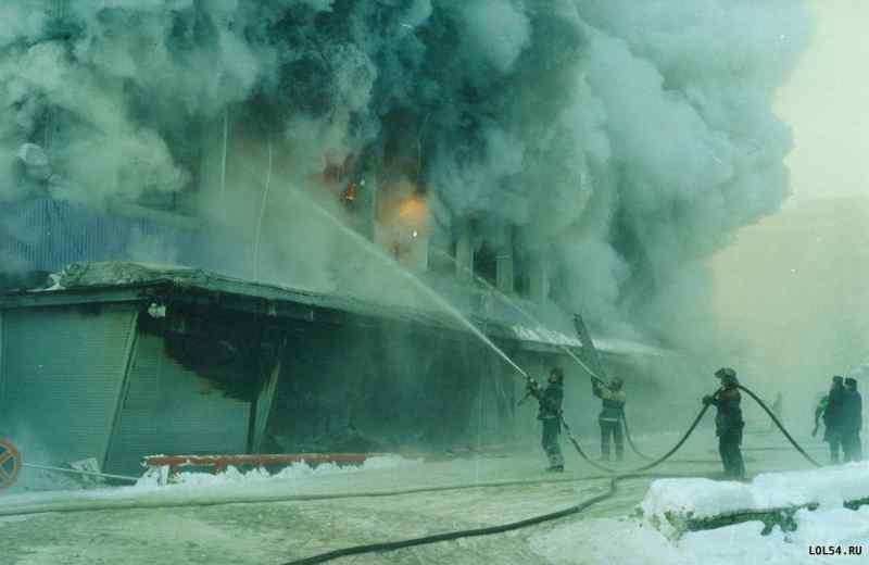 Двадцать лет назад в Новосибирске сгорел ЦУМ