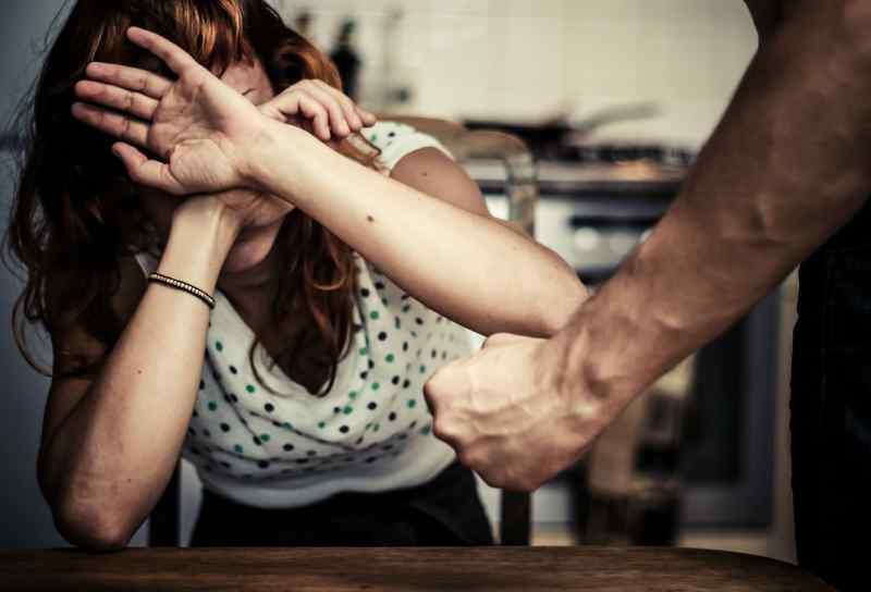 Жертва домашнего насилия и домашний тиран – насилие порождает насилие