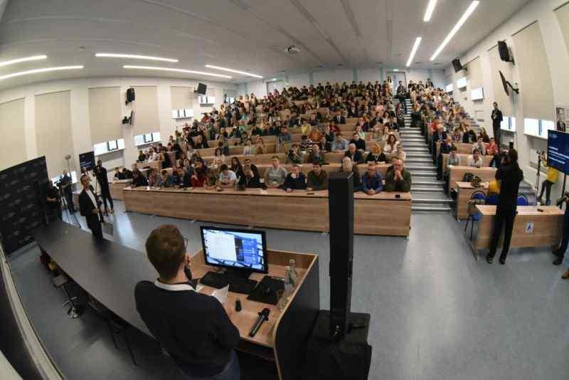 НГУ и Сбербанк провели конференцию по развитию искусственного интеллекта
