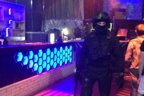ОМОН устроил рейд на музыкальном фестивале PUSTOTA в Новосибирске
