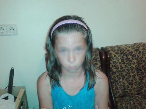 Потерявшая в лесу родителей девочка в действительности сбежала из больницы
