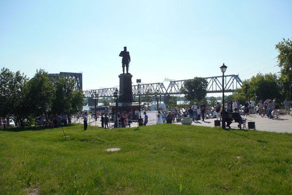 Новосибирцев отправляют митинговать против «пакета Яровой» к памятнику Александру III