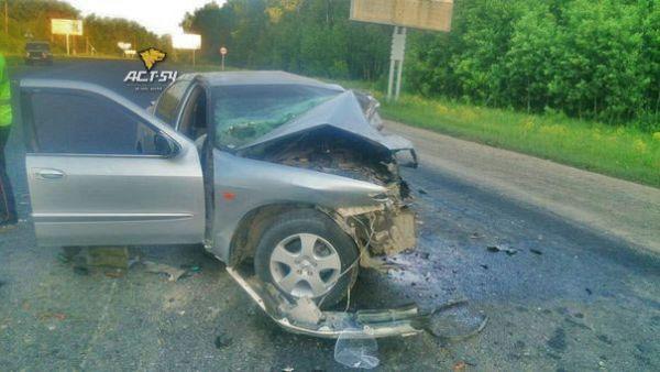 Водитель «Тойоты» погиб, когда его протаранил пьяный мужчина на угнанном авто под Новосибирском