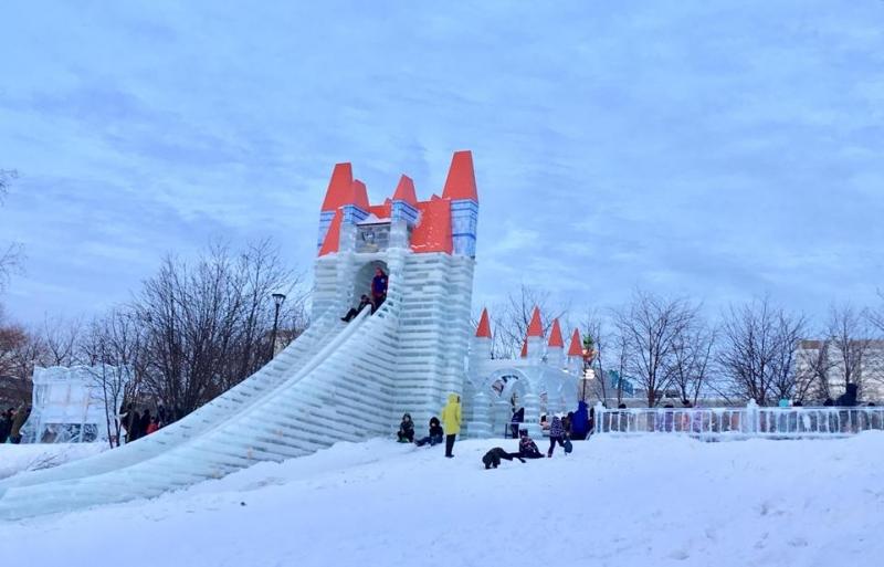 Ледовый городок. Сегодня и позавчера