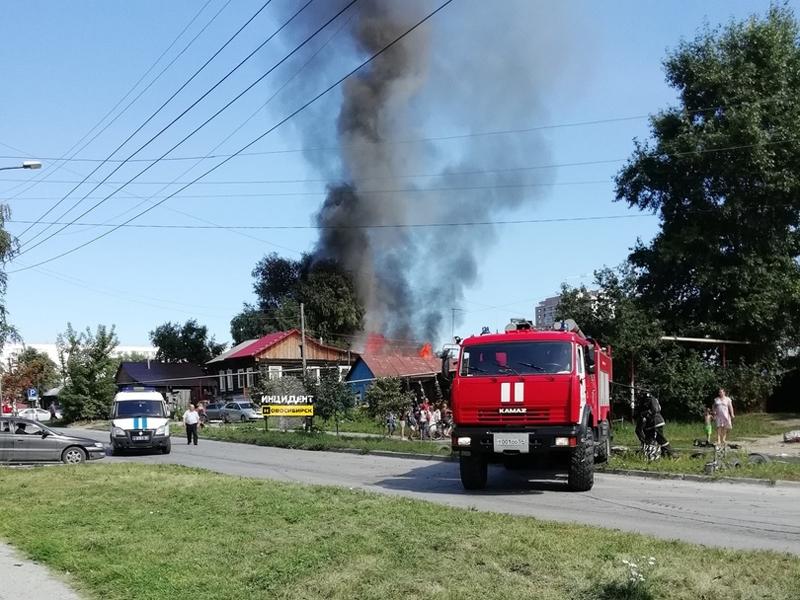 Пожарные уберегли частный сектор Новосибирска от крупного взрыва